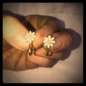 """Vintage gold tone clip on sun flower about 1/4"""""""